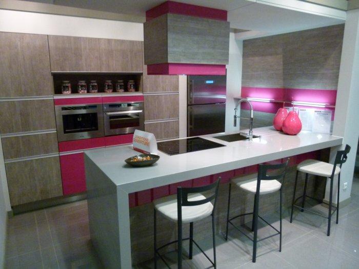 photo cuisine plus coignires cuisine plus coignires. Black Bedroom Furniture Sets. Home Design Ideas