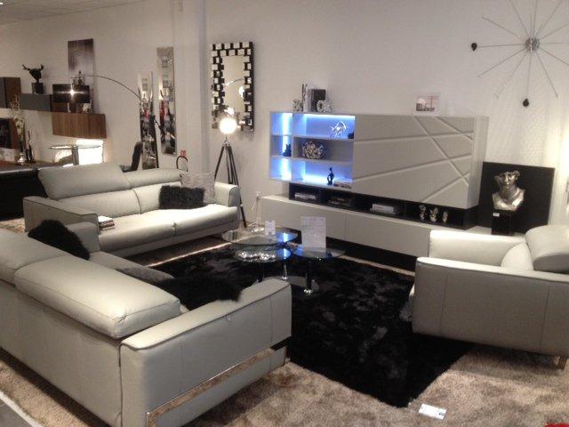 magasin xxl nimes beautiful luminaire with magasin xxl nimes fabulous carrelage sol et mur xxl. Black Bedroom Furniture Sets. Home Design Ideas