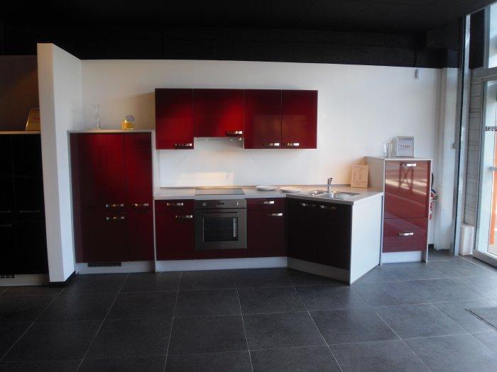 concepteur vendeur cuisine great ixina cuisine awesome ixina salle de bain trendy modele salle. Black Bedroom Furniture Sets. Home Design Ideas